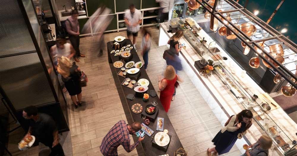 Ẩm thực chiếm 40% doanh thu của khách sạn