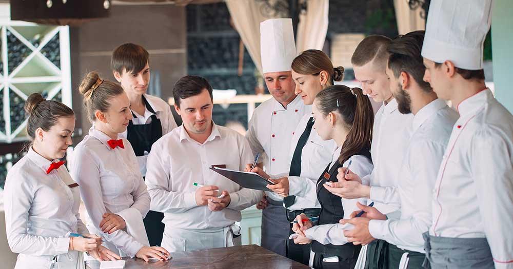 Phân loại phần mềm quản lý khách sạn