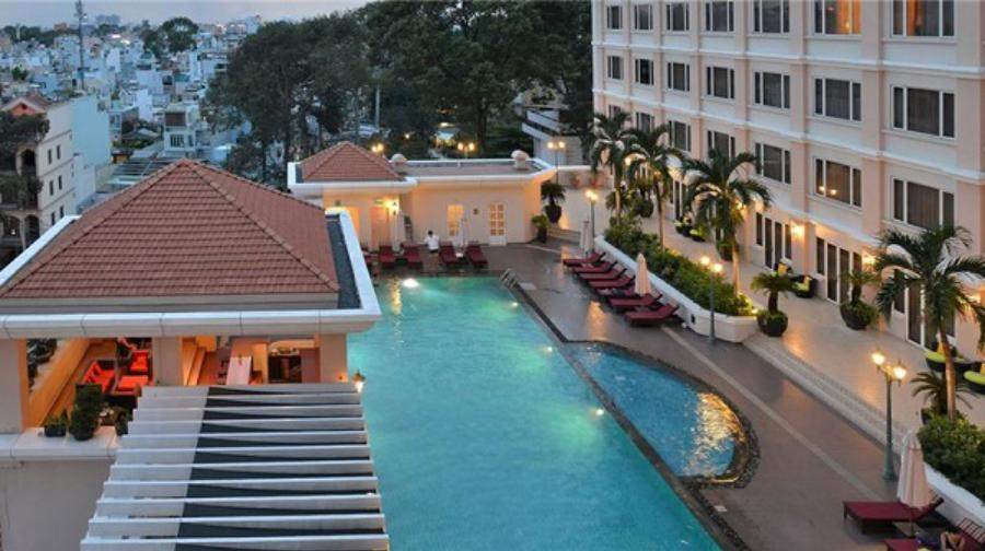 Thiết kế bể bơi khách sạn