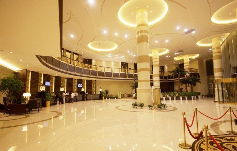 Sảnh khách sạn được tận dụng không gian đa năng