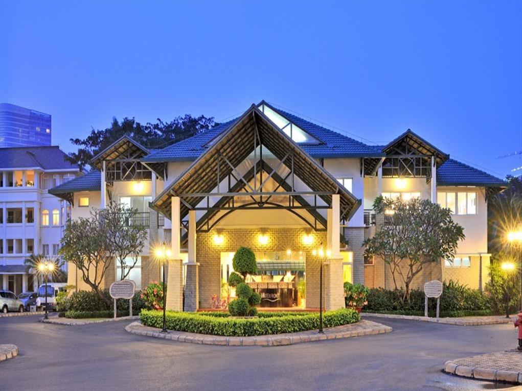 khách sạn 5 sao hồ chí minh The Waterfront Residence