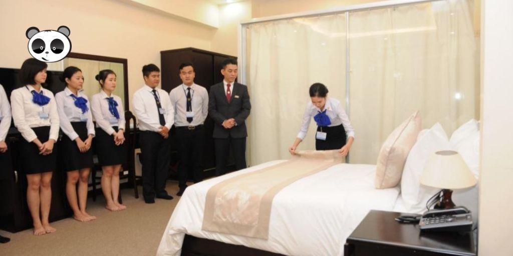 Đầu tư vào chất lượng dịch vụ và phòng khách sạn